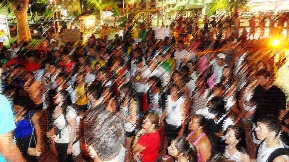 A pirâmide social, no Brasil, está virando um cone
