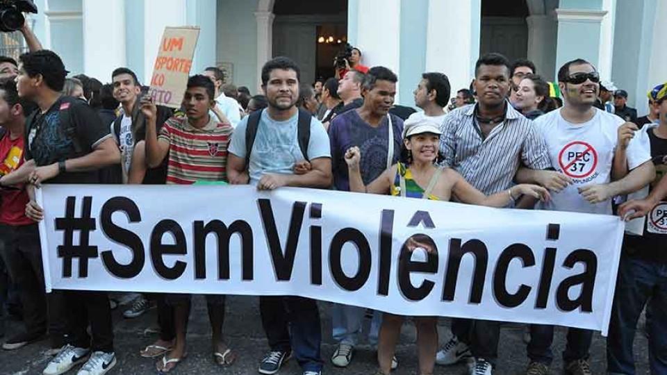 As manifestações são legítimas, mas a violência, não