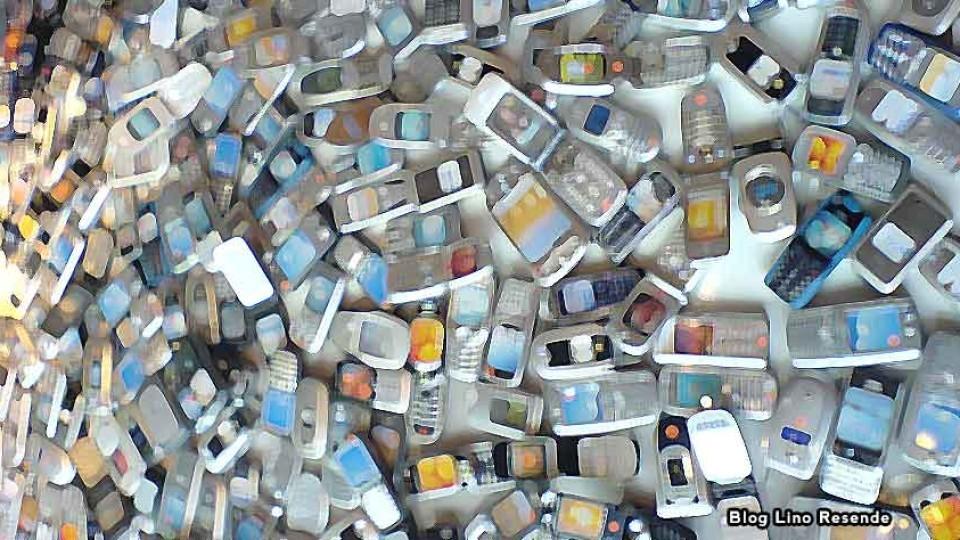 Celulares geram lixo e criam problemas