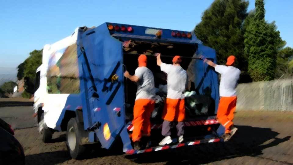 Trabalho sujo: um exemplo são os que recolhem o lixo